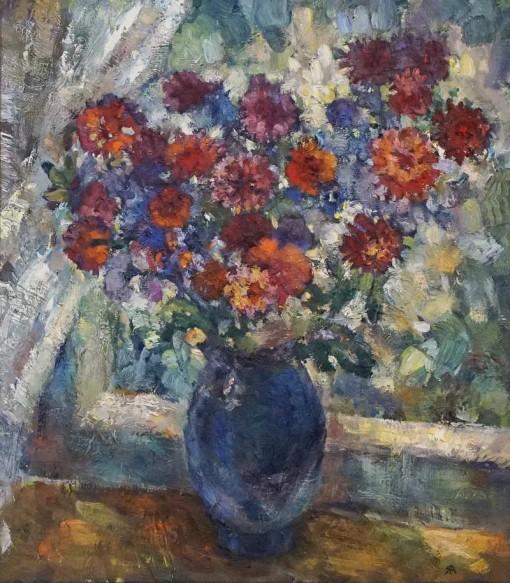 Анна Чепель. Букет цветов, 2000. Изображение букета хризантем в карминовых тонах на подоконнике.