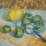 Анна Чепель. Чаепитие, 2000. Натюрморт с чайником и яблоками в золотистых тонах.