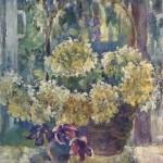 Анна Чепель. Гортензии, 2000. Корзина с цветами и вазой, стоящей на подоконнике на фоне освещённой солнцем природы.