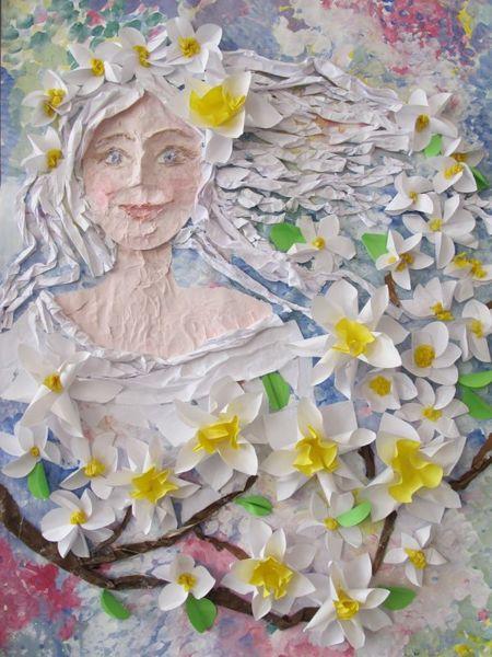 Девушка в цветах. Композиция из разных материалов. Работа с детьми. Педагог Анна Чепель.