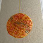 Фотография шара из нитей. Педагог Анна Чепель.